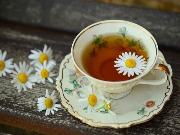 Nên uống các loại trà để giúp giấc ngủ của bạn sâu hơn