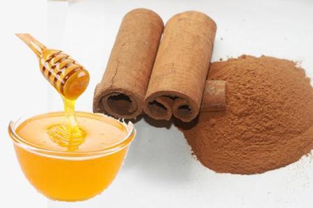 Tẩy tế bào chết với nhục đậu khấu, quế và mật ong