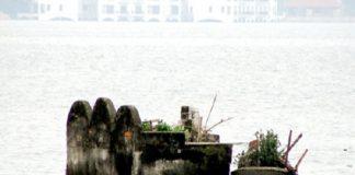 Bí ẩn ngôi mộ ở Hồ Tây