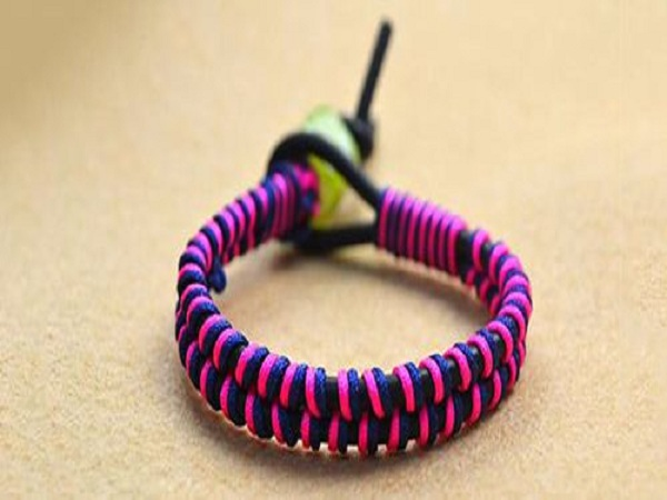 Cách làm vòng tay bằng dây màu
