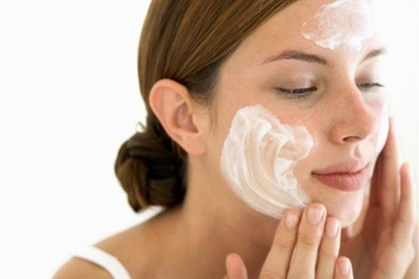 Những cách chữa da mặt khô hiệu quả