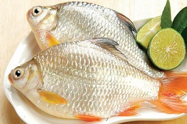 Cách khử mùi tanh của cá trên vật dụng chế biến