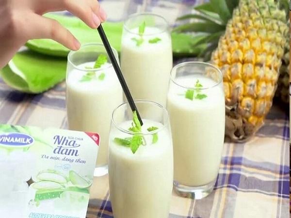 Cách làm sinh tố sữa chua đơn giản