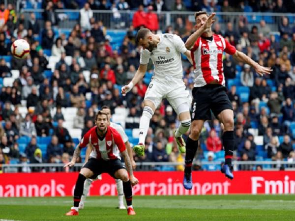 Benzema mang về 3 điểm cho Real