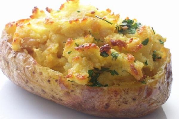 Cách làm khoai tây nướng nhồi thịt pho mai