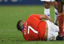Alexis Sanchez dính chấn thương khi thi đấu cho tuyển Chile
