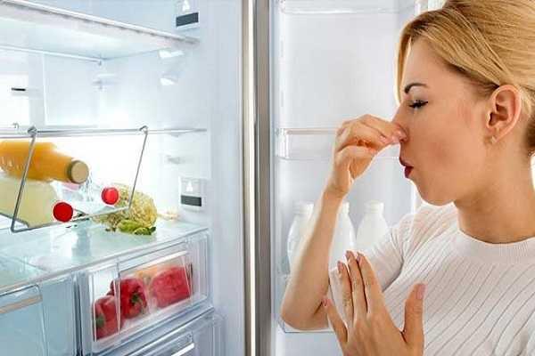 Chanh tươi giúp khử mùi hôi tủ lạnh