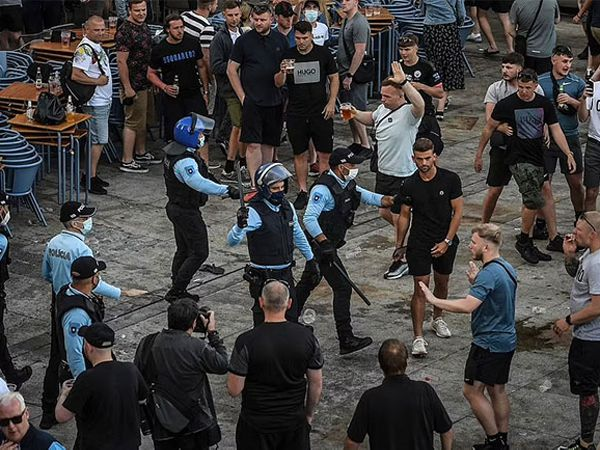 Bóng đá quốc tế 29/5: Fan Chelsea đổ máu với fan Man City