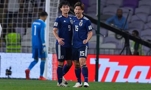 Minamino giúp Nhật Bản thắng đậm ở vòng loại WC 22