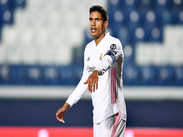 Tin bóng đá 8/6: Real Madrid mời Raphael Varane gia hạn một lần nữa